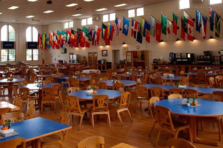 Студенческий кафетерий Cheshire Academy