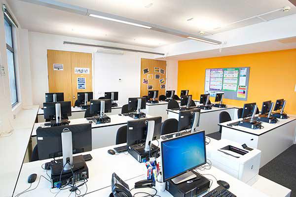 Учебный клас Bellerbys College