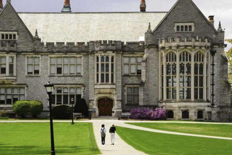 Замок на территории Emma Willard School не только историческая ценность, но и один из корпусов школы