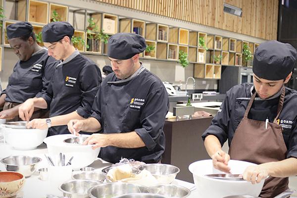 Студенты GASMA постигают премудрости средиземноморской кухни