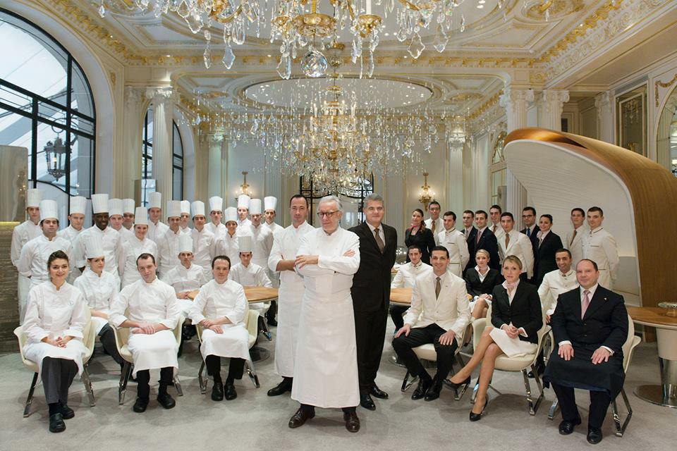 Студенты Alain Ducasse Education проходят практику в лучших ресторанах