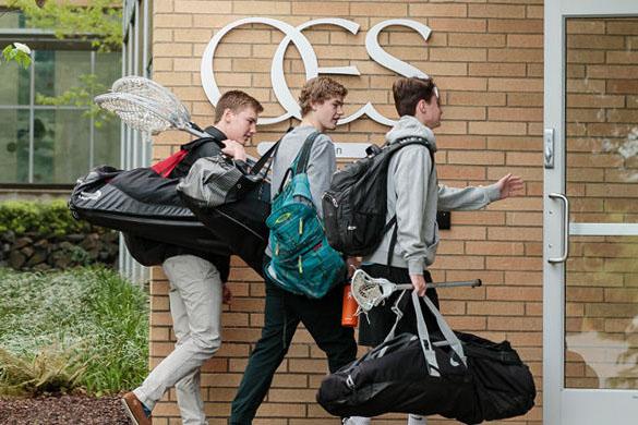 Ученики старшей школы Oregon Episcopal School