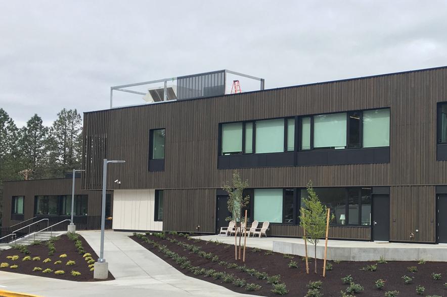 Здание младшей школы Oregon Episcopal School