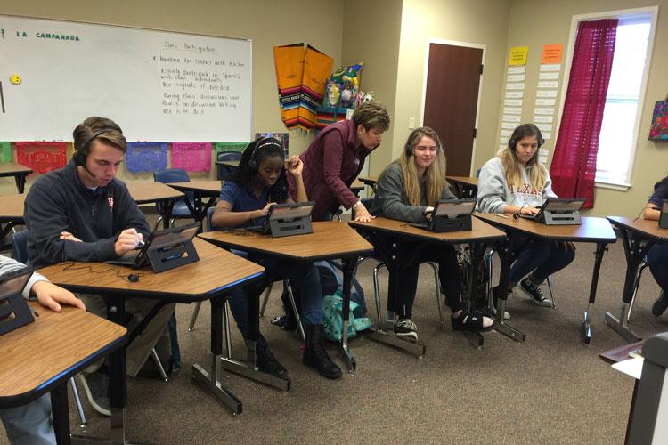 Изучение современных технологий в The Brook Hill School