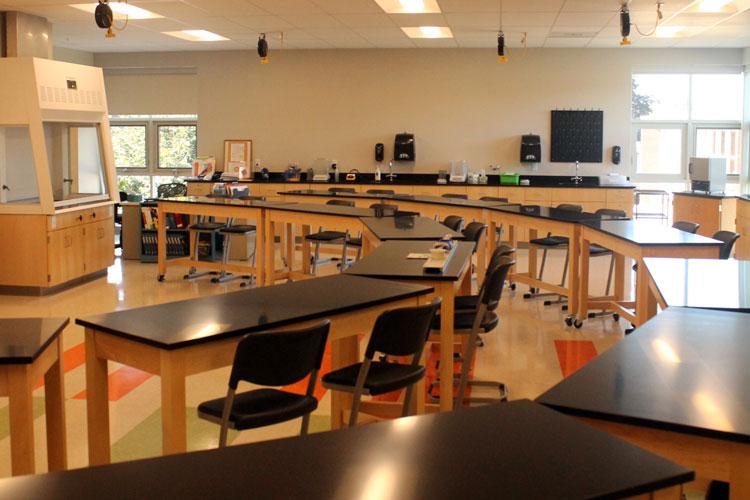 Thornton Academy, STEM Center – современный исследовательский комплекс введенный в эксплуатацию в 2015 году