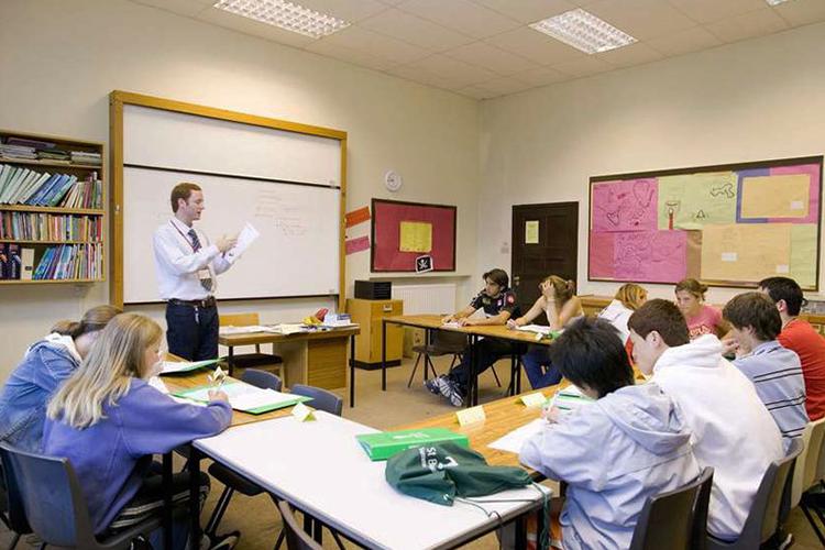 Классные занятия в Bede's Summer School, Lancing