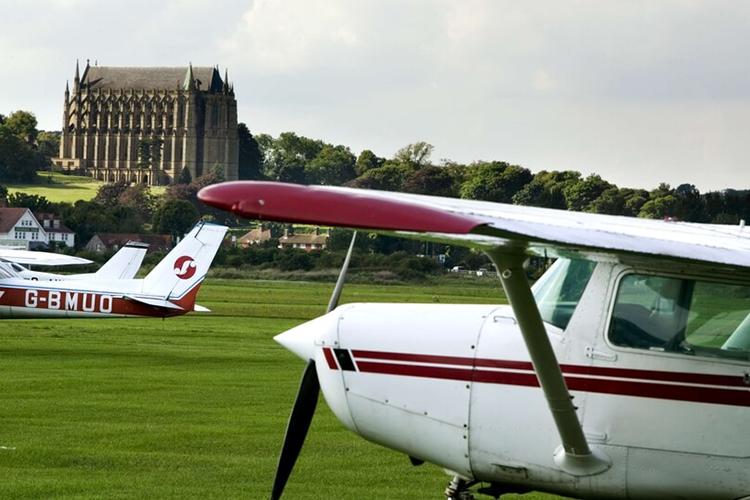 Пилотирование в Bede's Summer School, Lancing