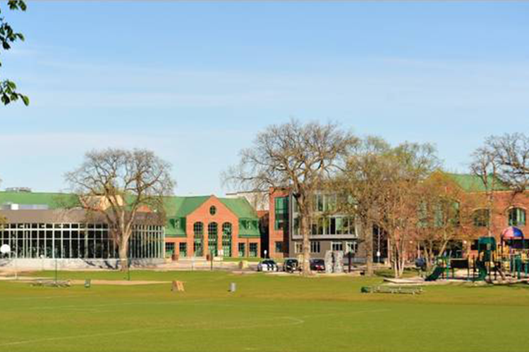 Фасад St. John's-Ravenscourt School