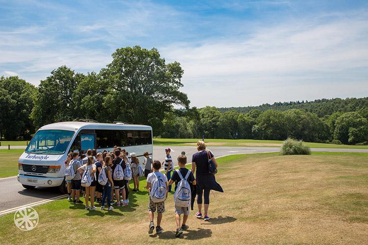 Экскурсия от школы Emerald Cultural Institute, Worth-School-Sussex
