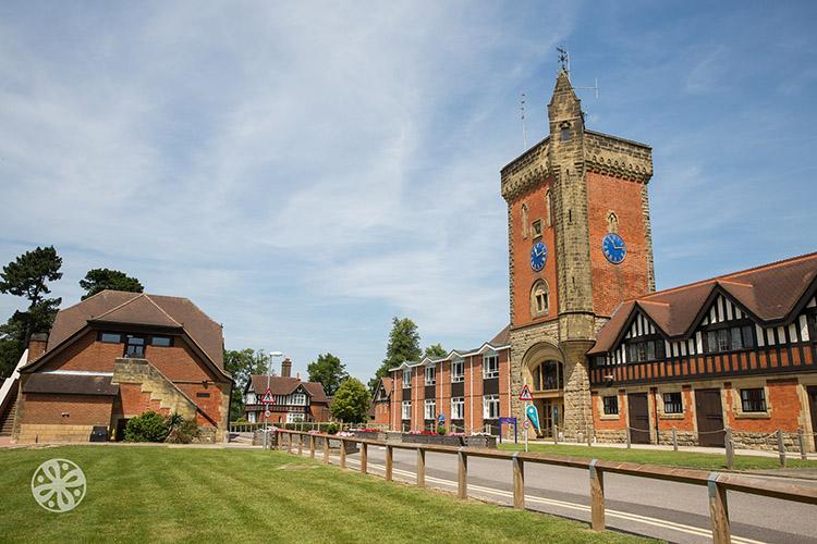 Emerald Cultural Institute, Worth-School-Sussex