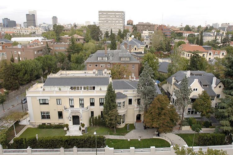 Школа IE Business School