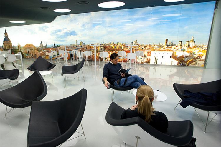 Комната отдыха в IE Business School
