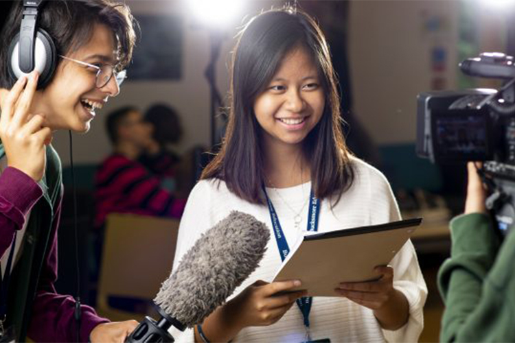 Занятия по журналистике d'Overbroeck's college, Bucksmore Education