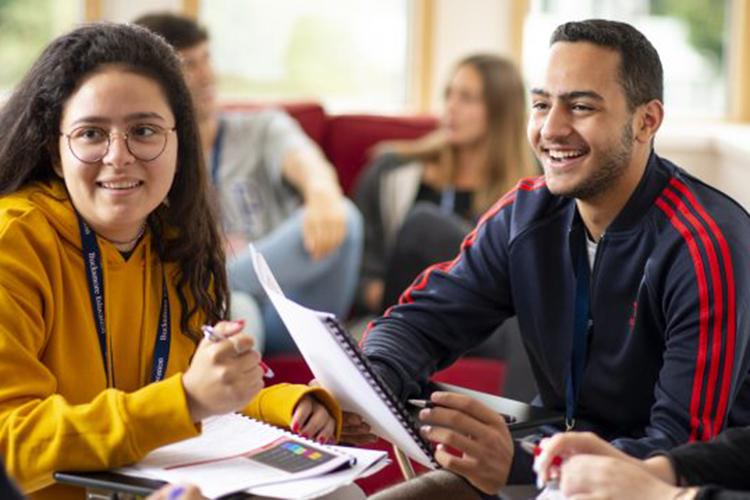 Студенты в Tonbridge School, Bucksmore Education
