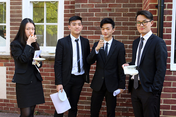 Ученики Kent College Canterbury