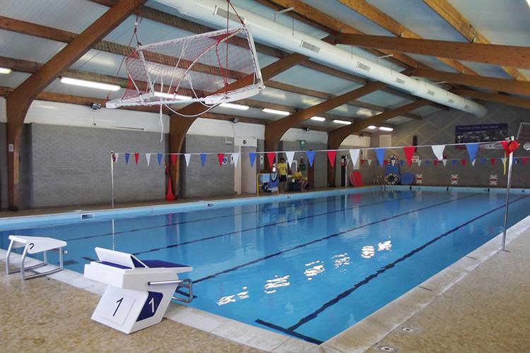50-метровый бассейн в Mount Kelly