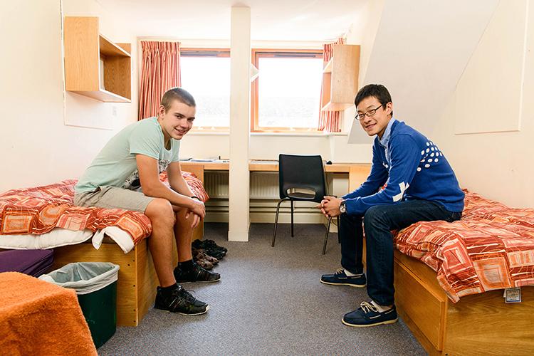 Комната для мальчиков в резиденции Lord Wandsworth College