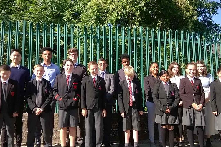 Ученики школы Westbourne School