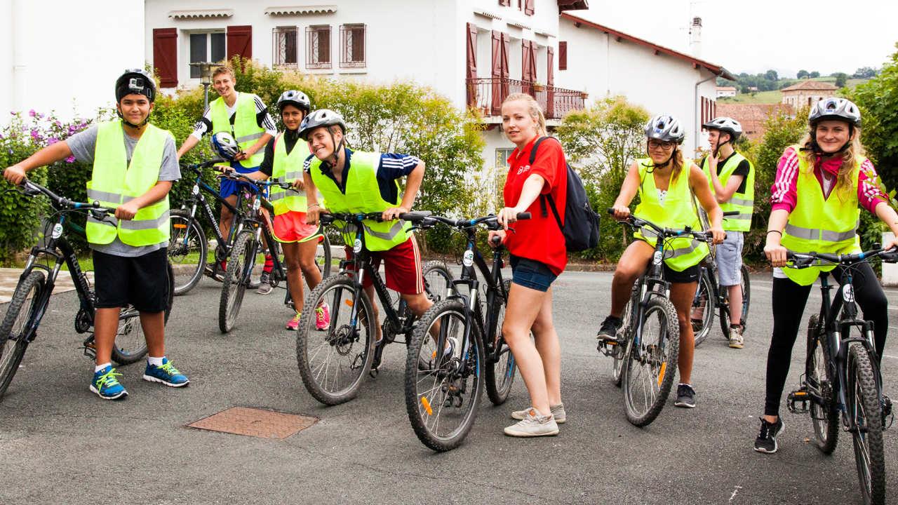 Занятия спортом в языковой школе Alpadia, Nice