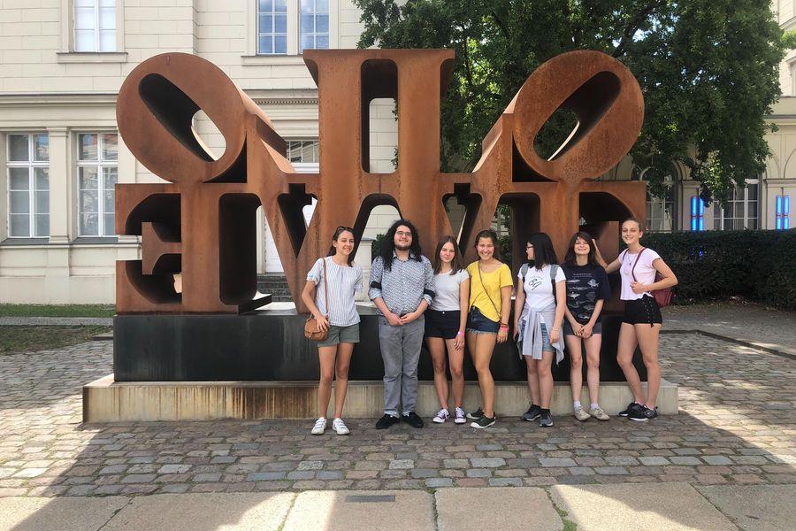 Студенты в школе GLS, Berlin Villa