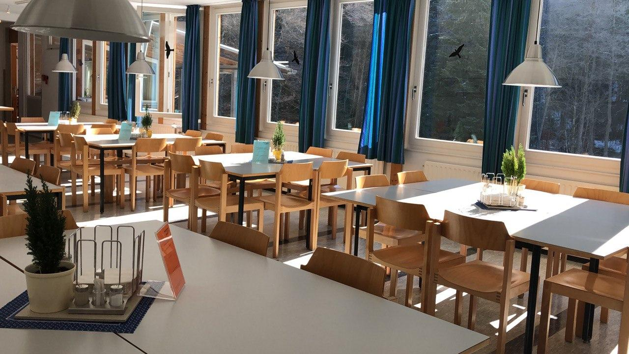 Столовая в школе GLS, Munich Young and Fun