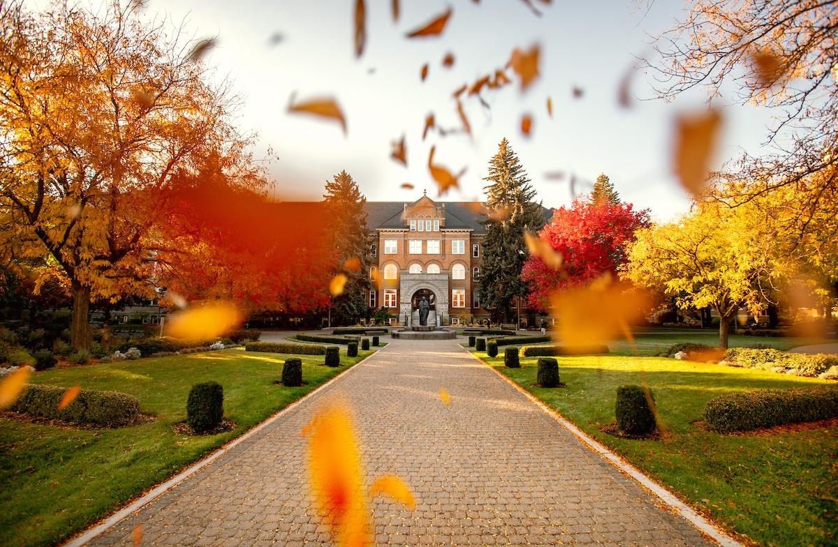 Осень в Gonzaga University