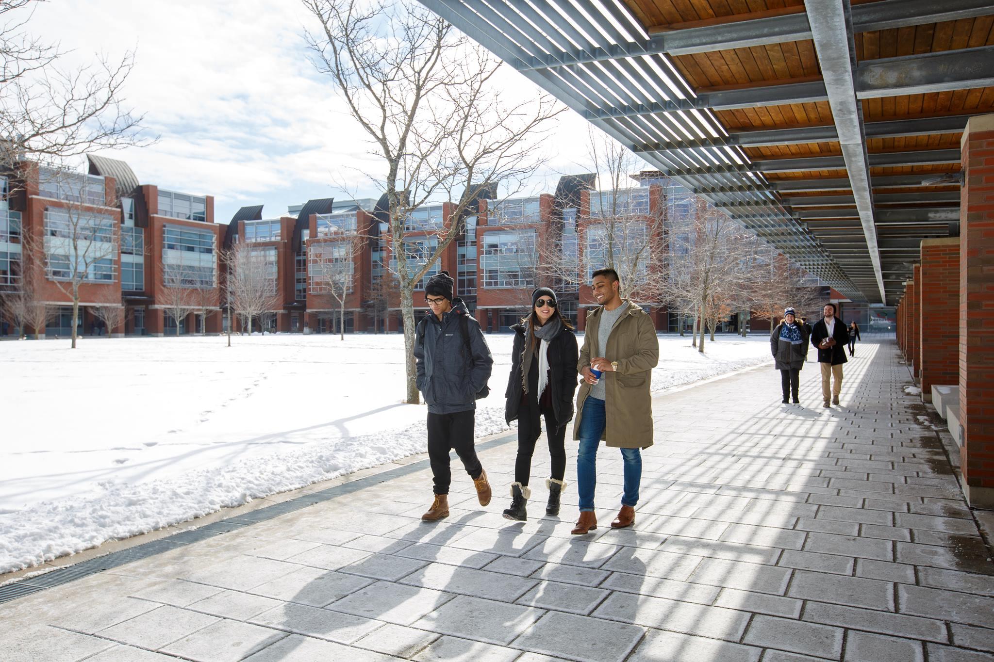 Студенти Ontario Tech University
